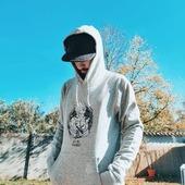 ⚡ DRAGON BARBE Z 🐲 Héros aux poils saillants 🤛 ⠀ Pas de déguisement pour nous ce soir, mais on balance du kamehameha textile 🌀 : ⠀⚫ T-shirt gris chiné 100% coton biologique ⠀⬛ Sweat-shirt tout doux 85% coton biologique et 15% de polyester recyclé ⠀ Les stocks sont limités mais si ça vous plaît, ils reviendront rapidement ! ⠀ ✏️ Illustration par le talentueux @nourstattoo ❤️ ⠀ #cavabarber #Lyon #dragonball #supersaiyan #nourstattoo #tattoo #barbu #barbe #dragonballz #bagarre #cotonbio #mercidetrevelu #saiyanrangers #bearded